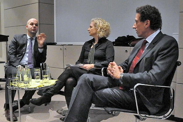 Die Ökonomie ist keine ethikfreie Zone, Moderation: Angela Borgwardt, Gespächsteilnehmer: Prof. Ph. D. Marcel Fratzscher (li.) und Prof. Dr. Julian-Nida-Rümelin (re)